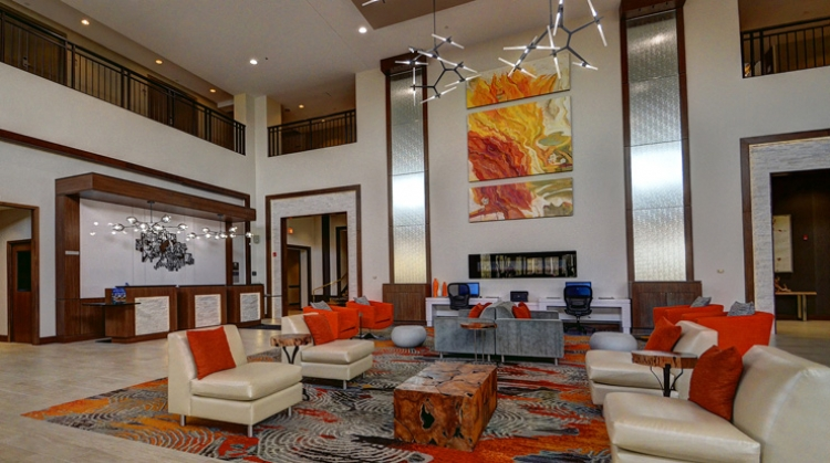 Delta Hotels Chicago North Shore, lobby décor and colourful accents
