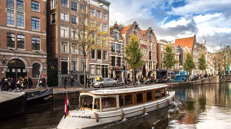 Amsterdam is one of the new European hubs covered by the extended codeshare agreement