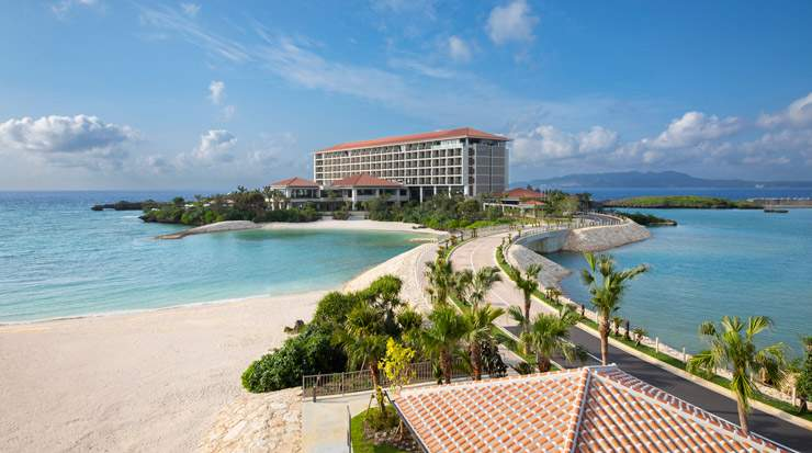 An immersive destination hotel, Hyatt Regency Seragaki Island Okinawa reflects the local culture