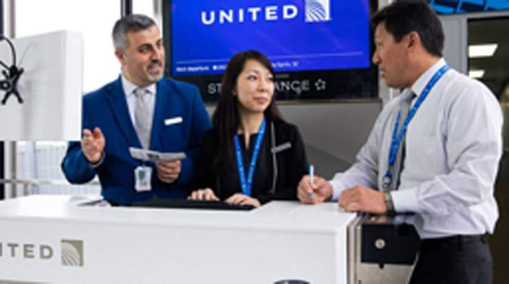 United Airlines seeks twice daily service for New York/Newark and Shanghai