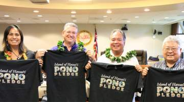Attendees committed to the Pono Pledge