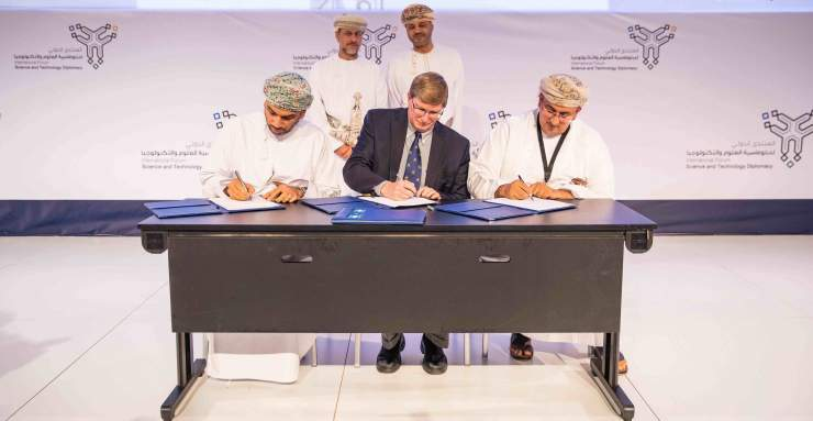 Oman Aviation Group and World Ocean Council sign MoU
