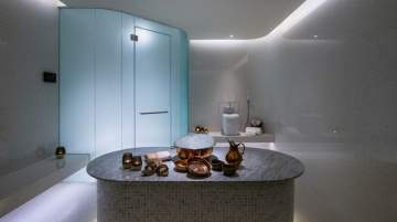 So SPA combines ancient wellness traditional with the refinement and skills of modern French cosmetology