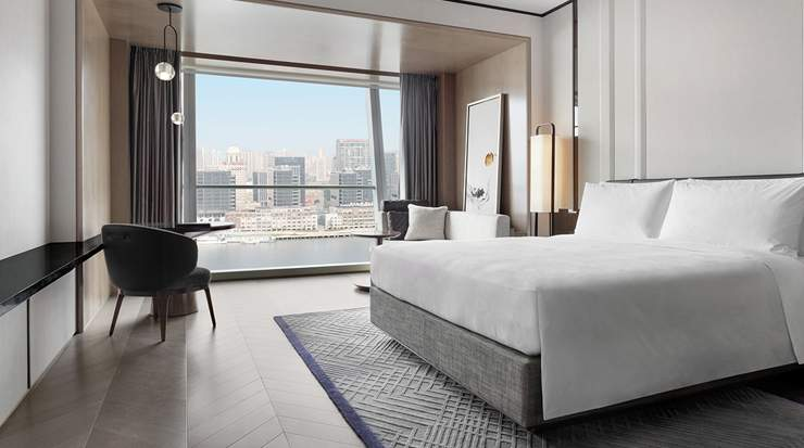 Deluxe Room at JW Marriott Marquis Hotel Shanghai Pudong
