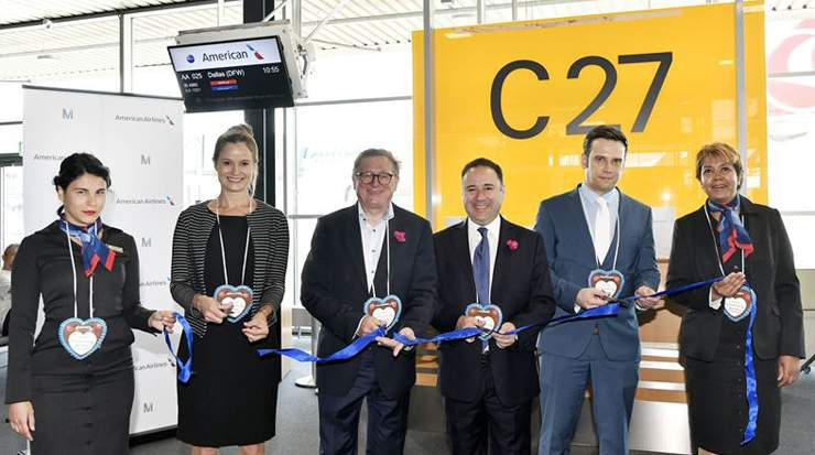 Representatives of American Airlines and Munich Airport were on hand for the official ribbon-cutting ceremony
